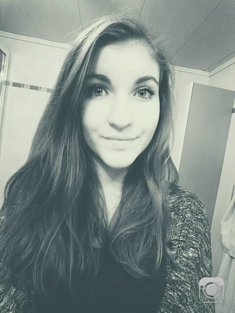 Chloe_36