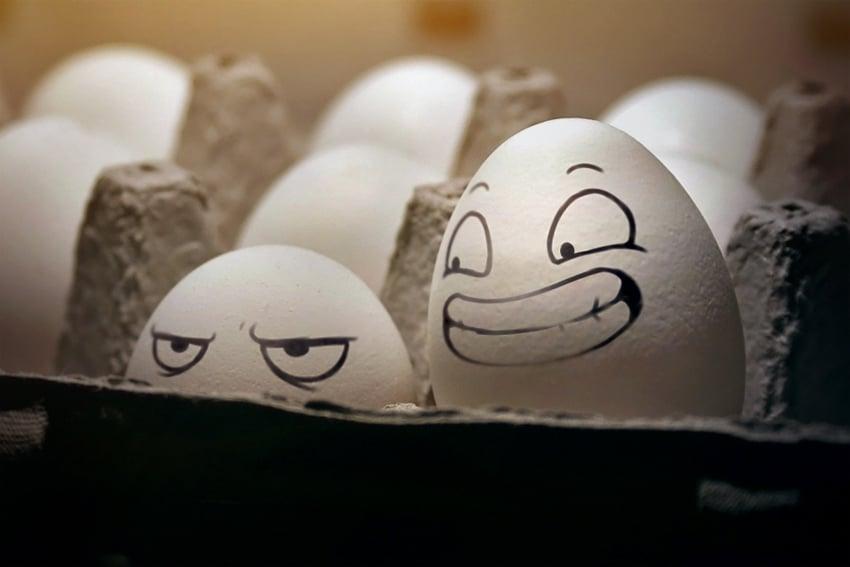 В Харькове евромайдановцев встретили яйцами internet news md on